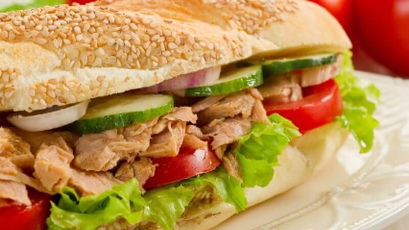 Ton Balıklı Mayonezli Sandviç Nasıl Yapılır